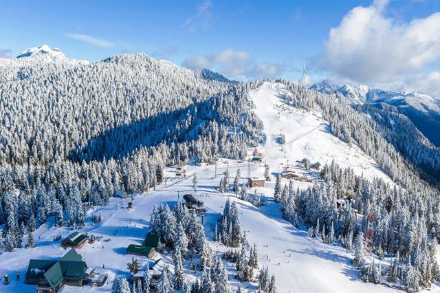 Núi Grouse điểm trượt tuyết nổi tiếng ở Vancouver