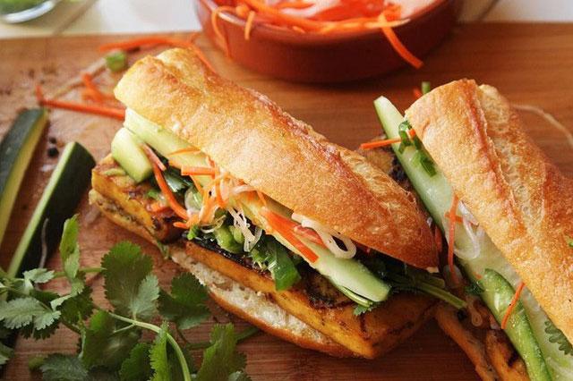 Saigon Vietnamese Sandwich Deli phục vụ bánh mì Việt ngon hút khách