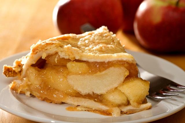 """Apple pie- món ăn """"truyền thống"""" nhất nước Mỹ"""