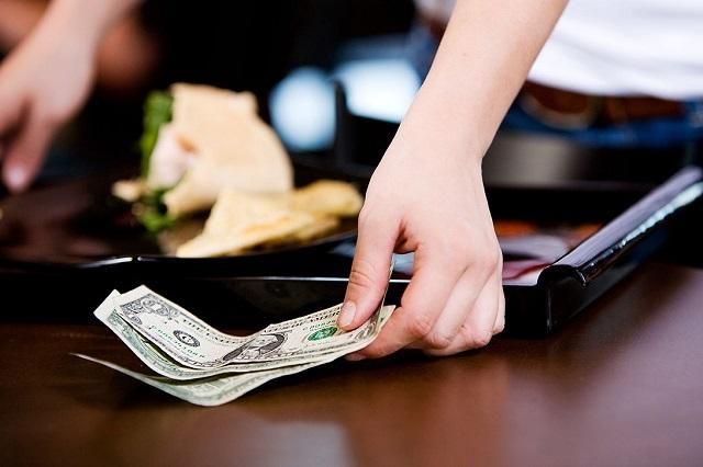 Ở Nhật tip tiền trong nhà hàng được xem là một sự xúc phạm