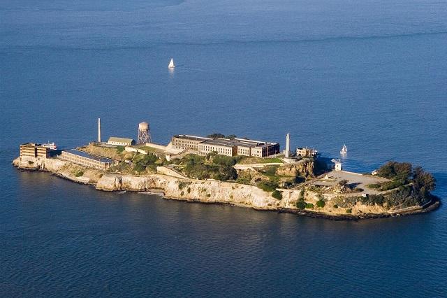 Alcatraz, hòn đảo được nhiều người biết đến với nhà tù khét tiếng