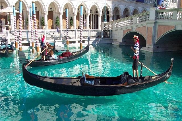 Gondola là phương tiện di chuyển nhất định phải thử ở Vienna