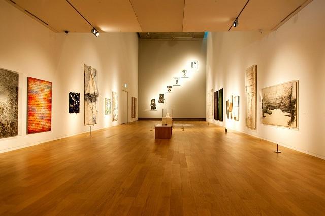 Một không gian nhỏ nơi có các triển lãm ấn tượng