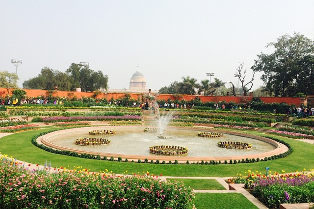Khung cảnh thơ mộng ở khu vườn Rashtrapati Bhavan