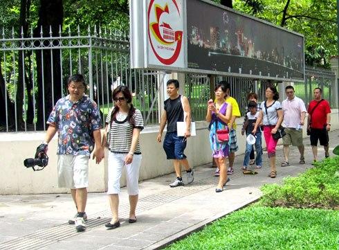 Lượng khách quốc tế đến TP HCM đạt hơn 376.000 lượt khách, tăng 16% so với cùng kỳ năm 2016. Ảnh: H.C