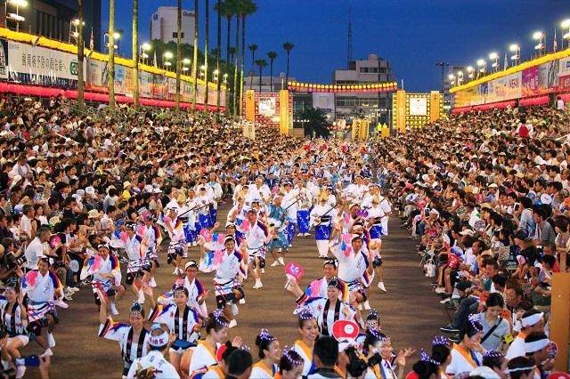Awa Dance Festival, một trong những lễ hội hút khách nhất ở Nhật