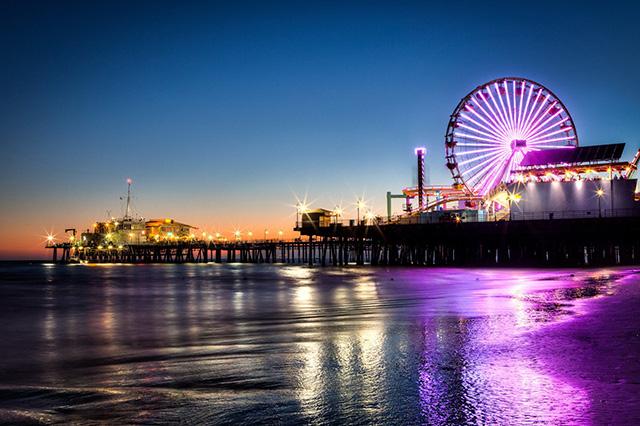 Đêm Los Angeles những bến cảng cũng trở nên lung linh, nhộn nhịp