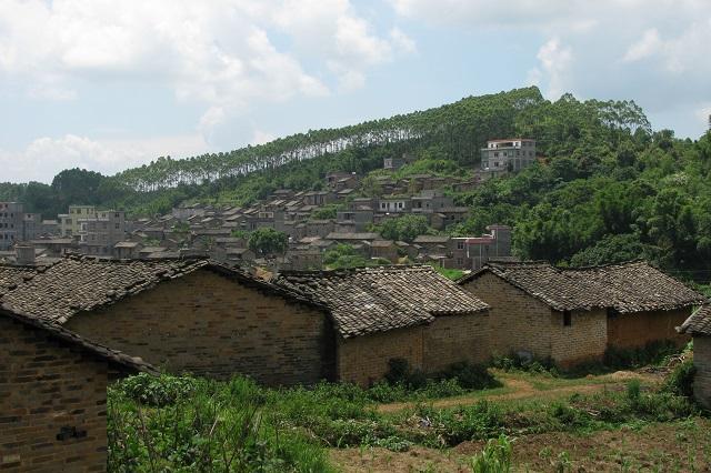 Làng cổ La Dương hiện được gọi là ngôi làng ma nổi tiếng của Trung Quốc