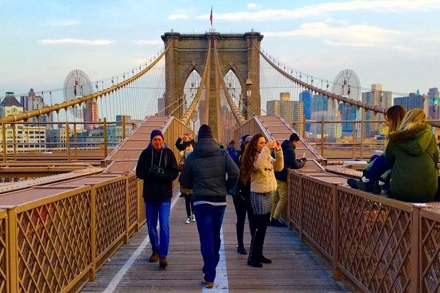 Cầu Brooklyn nơi bạn ngắm toàn cảnh New York từ trên cao vô cùng huyền ảo